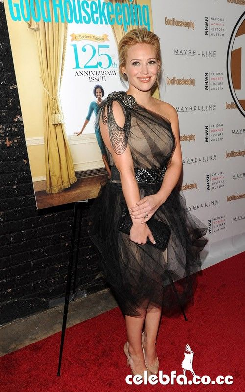 عکس لخت هیلاری داف http://celebfa2.wordpress.com/2010/04/13/hilary-duff-good-housekeepings-125th-anniversary-in-nyc/