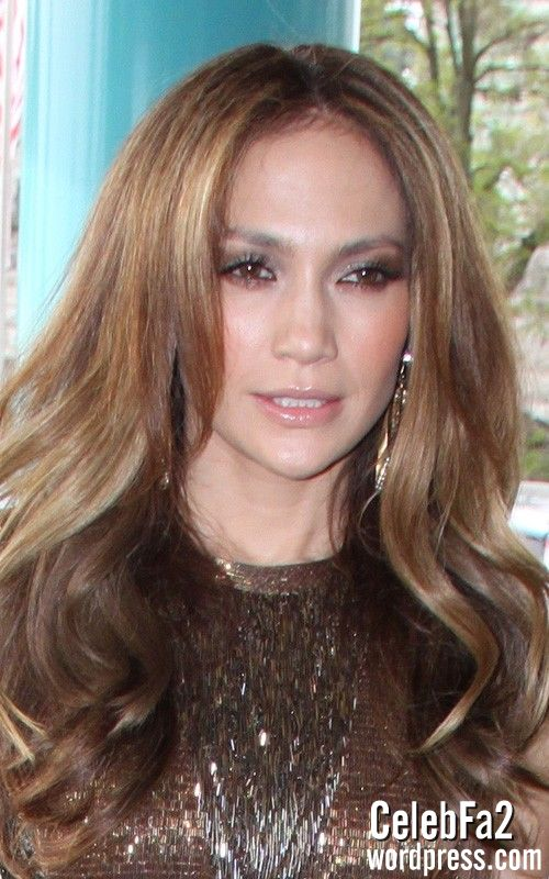 عکس لختی جنیفر لوپز http://celebfa2.wordpress.com/2010/04/30/jennifer-lopez-at-her-hotel-in-cologne-germany/