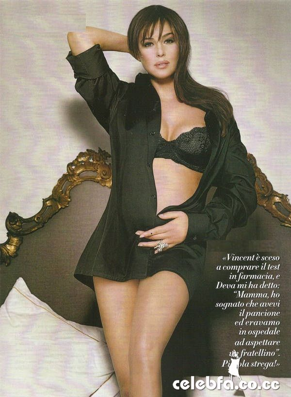 عکس سینه دختر 14 ساله http://celebfa6.wordpress.com/2010/04/05/six-months-pregnant-monica-bellucci-is-italian-vanity-fair/