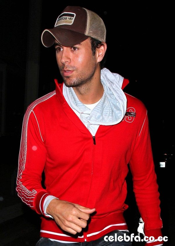 http://celebfa2.files.wordpress.com/2010/05/enrique-iglesias-new-celebfa-co-cc-4.jpg